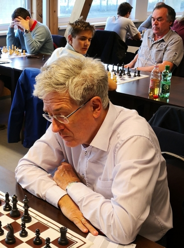 Dr. Peter Linnert